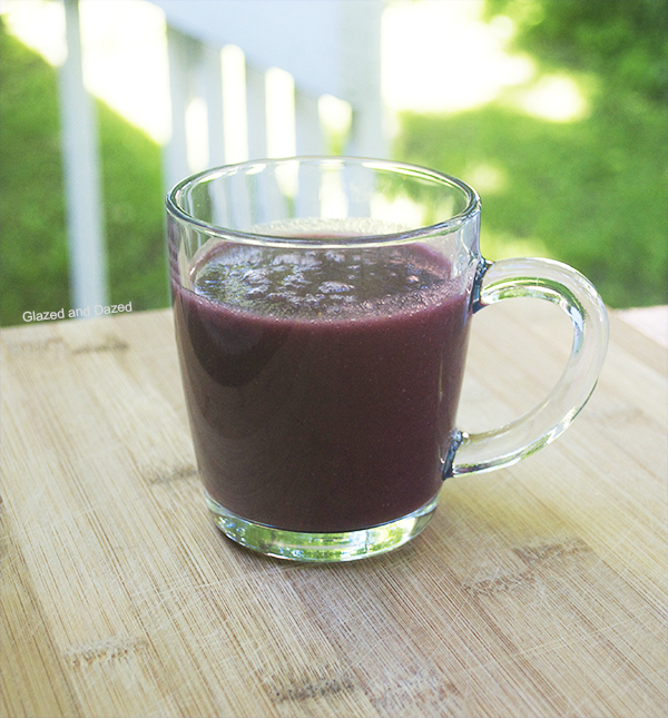 Skinny Blue Monster  Healthy smoothie with less than 150 calories!