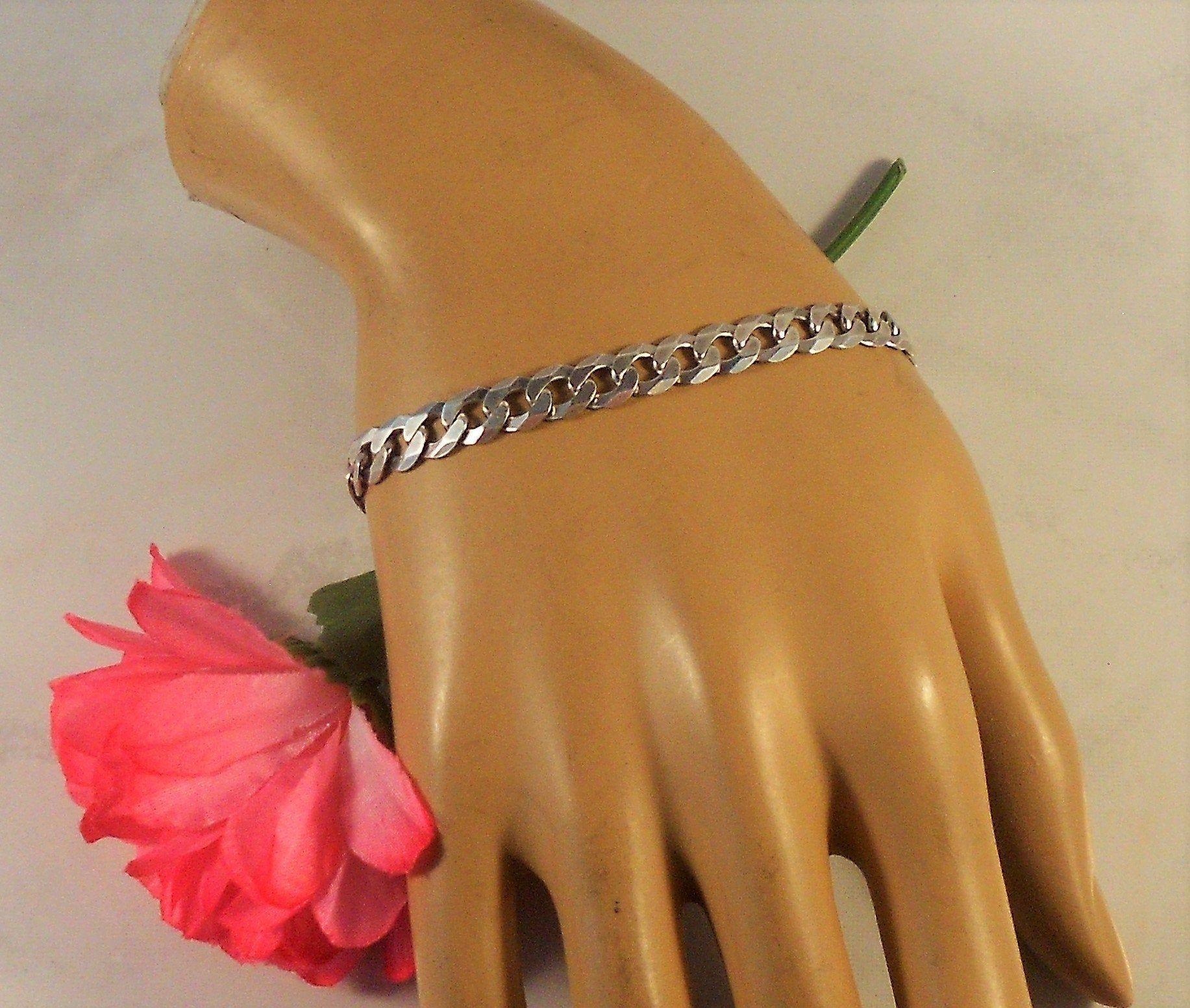 Sterling Silver Curb Link Bracelet Made In Italy 8 1 2 Etsy In 2020 Link Bracelets Fine Costume Jewelry Bracelet Making
