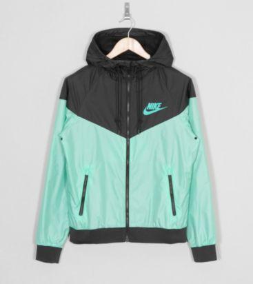 8573077f3b67 Nike Windrunner
