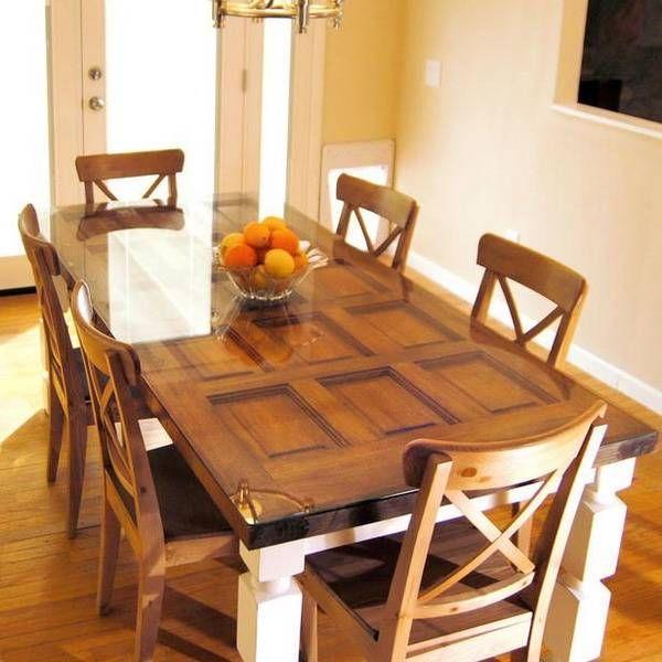 Mesa de comedor elegante hecha con una puerta de madera maciza ...