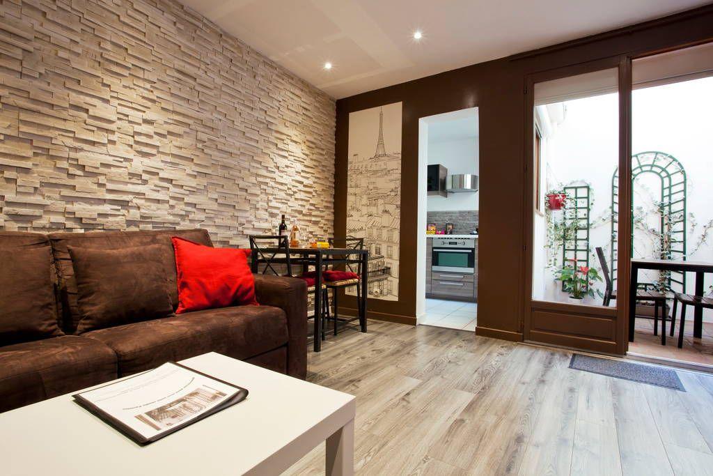 Salon / salle à manger. / living room /privacy courtyard
