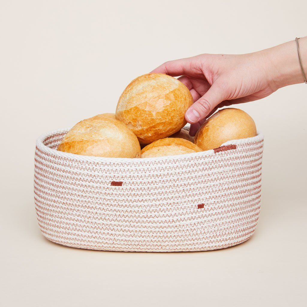 Woven Bread Basket Bread Basket Round Cake Sizes Round Cakes