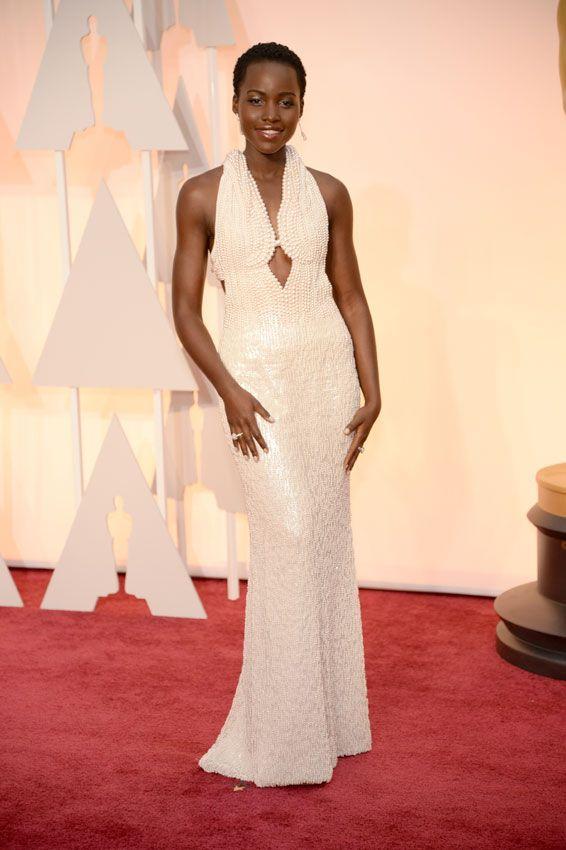 Actrices sobre la alfombra roja de los Oscar 2015: ¿Quién es la más elegante? Lupita Nyong'o
