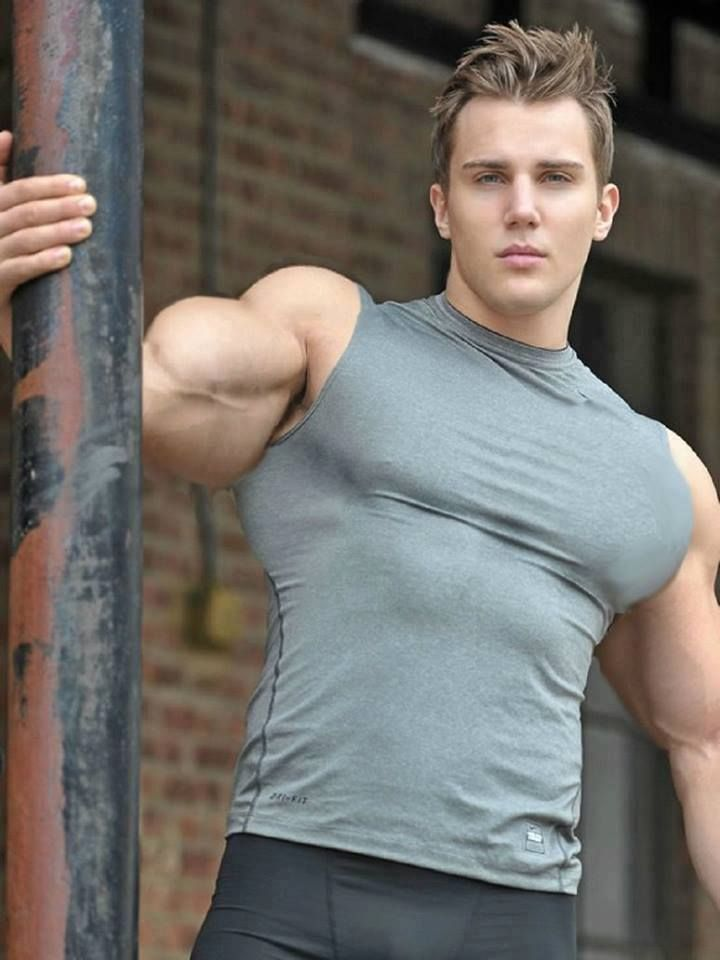Pin by bob banks on NICE TO LOOK AT | Muscle men, Muscular ...