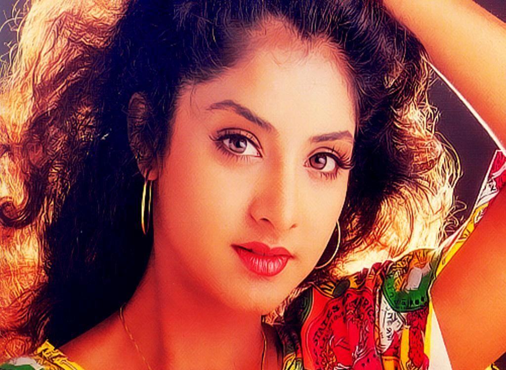 sexy Divya Bharti