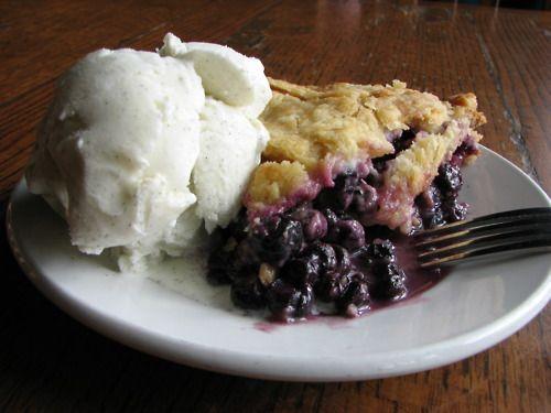 blueberry pie & vanilla bean ice cream