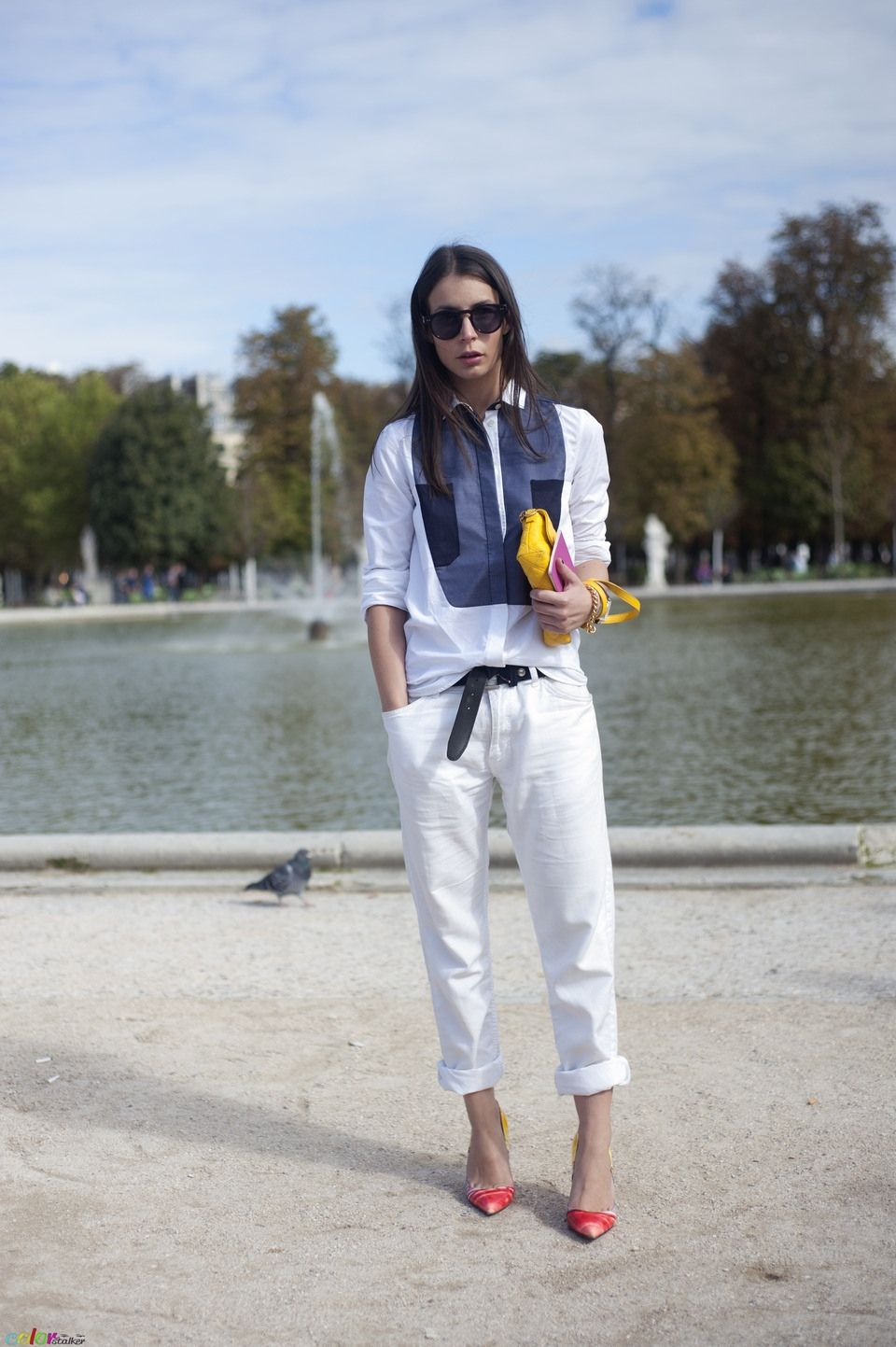 look 8 - loose white jeans