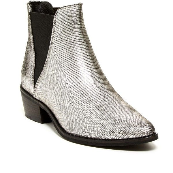 Steve Madden Anyml Pointy Chelsea Boot (860 MXN) ❤ liked on Polyvore  featuring shoes
