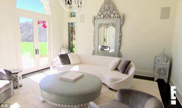 Khloe kardashian moves into stunning  calabasas california home from justin bieber also suffers meltdown and in kuwtk new trailer rh pinterest
