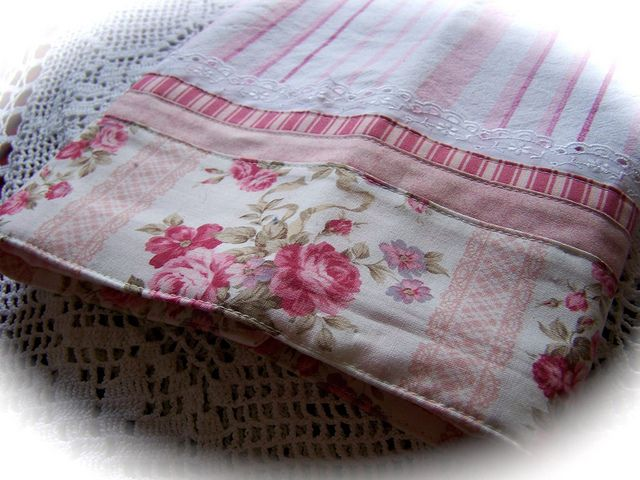 Decorative Tea Towels Pink And White With Roses A Beautiful Rose Towel Decorative Tea Towels White Tea Towels Tea Towels