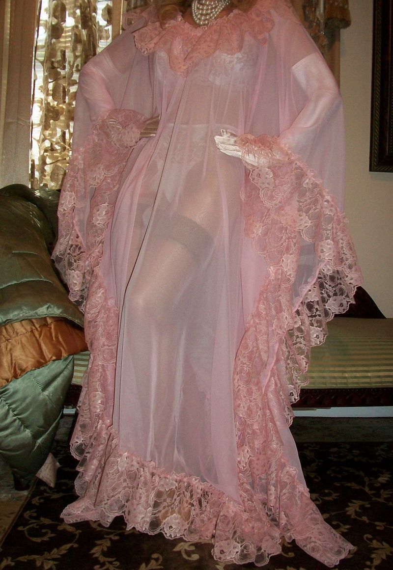 Sheer Pink Chiffon Robe And White Satin Gloves  Vtement -8275