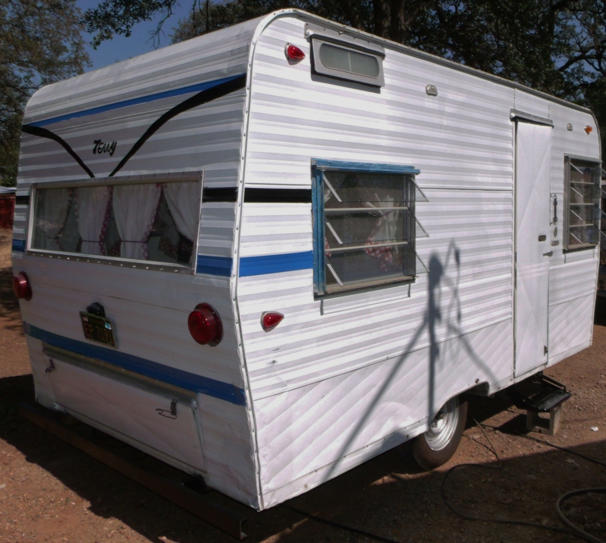 Travel Trailers With Outdoor Kitchens: VINTAGE TRAVEL TRAILERS WE HAVE RESTORED
