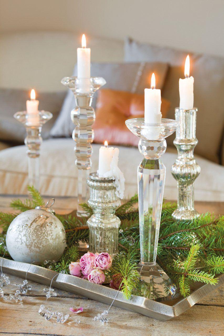 La decoración de una fiesta de fin de año en una casa de campo ...