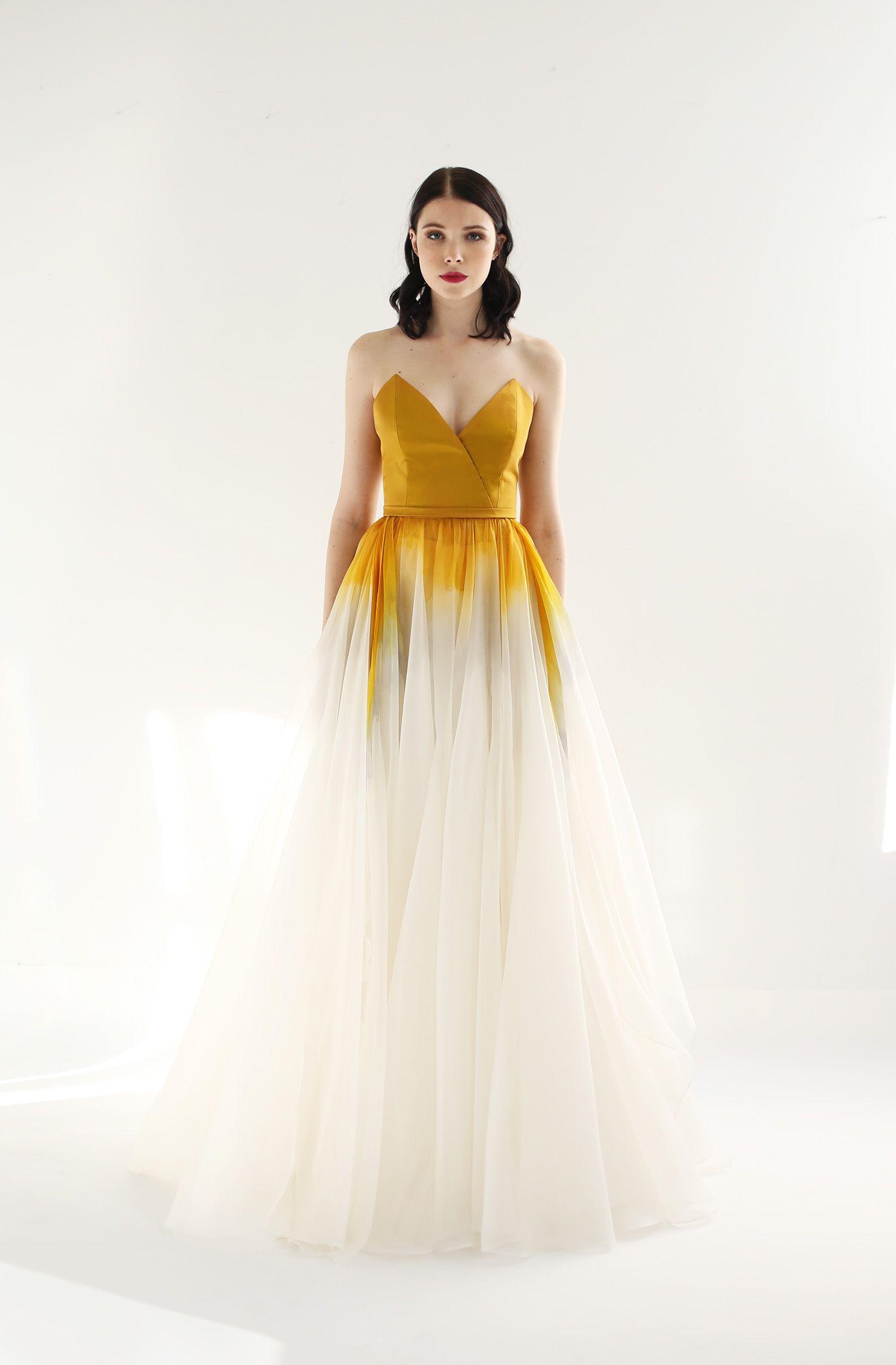 Aurora Dress Leanne Marshall Gowns Dresses Beauty Dress [ 2412 x 1584 Pixel ]