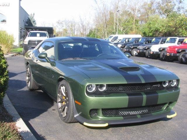 2018 dodge challenger srt hellcat in f8 green with dual. Black Bedroom Furniture Sets. Home Design Ideas