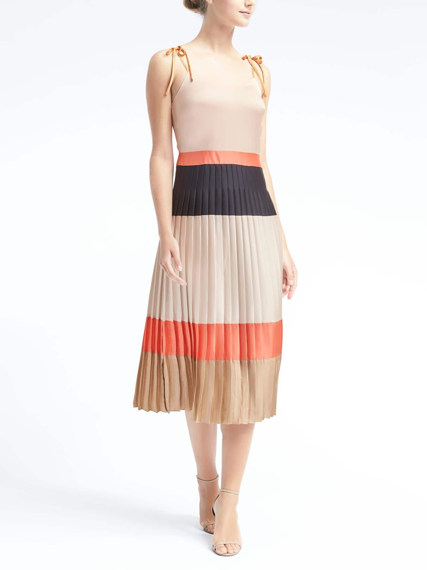 Pin by Rebecca Everett on Everyday Style | Pinterest | Pleated midi ...