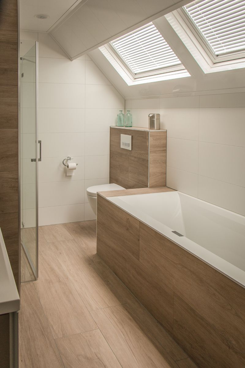 Afbeeldingsresultaat voor badkamer vloer houtlook | Kleine badkamers ...