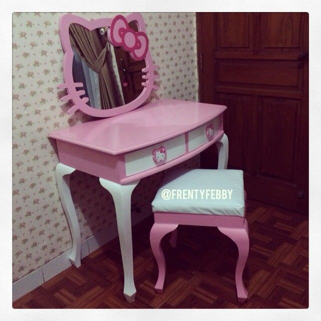 2d6e23067 Hello Kitty vanity table!   Hello kitty ❤   Hello kitty bedroom ...
