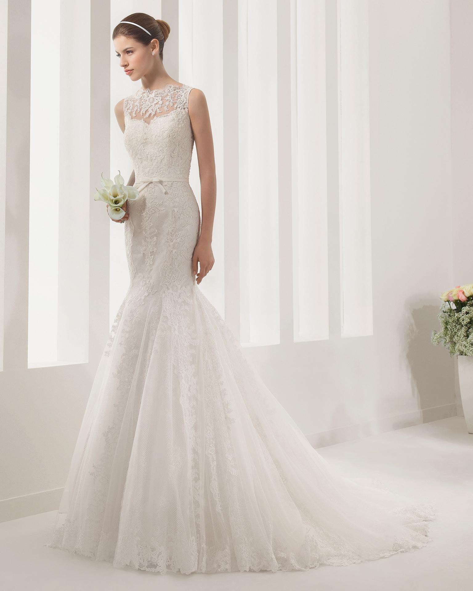 Alma Novia Pausa Illusionneckline Scallop Bowbelt Modern Feminine Poshbridallanc Posh Wedding Gown Wedding Dresses Designer Wedding Dresses Dresses [ 1920 x 1536 Pixel ]