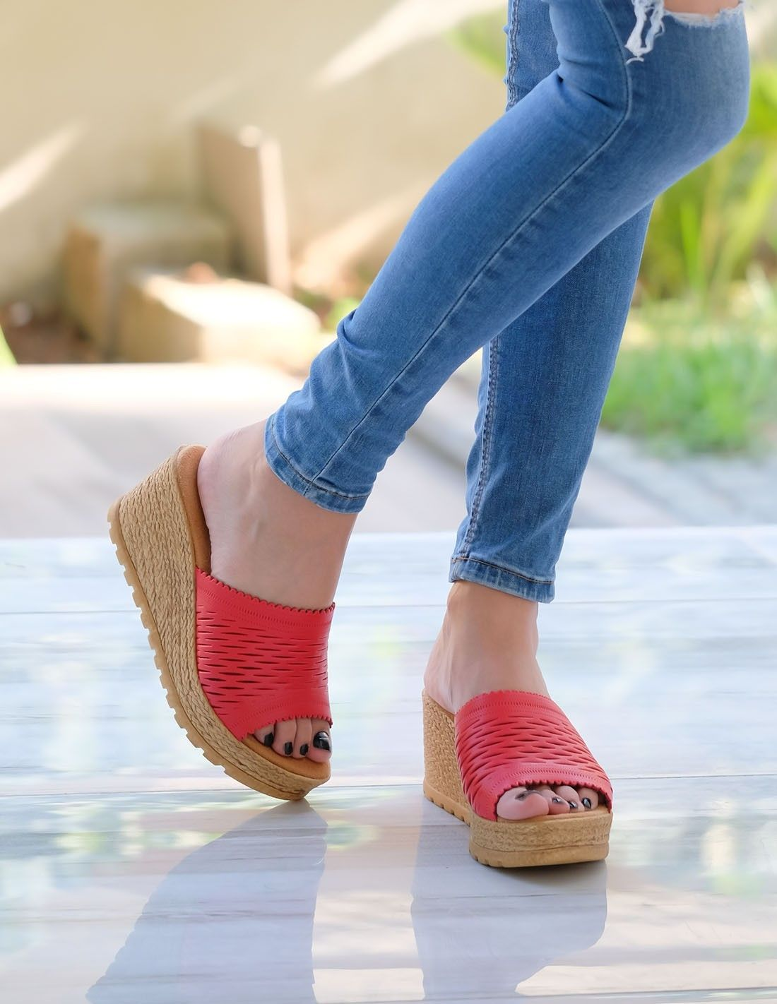 Bona Kirmizi Cilt Dolgu Topuk Terlik Slippers Fashion Moda Dolgu Topuk Stiletto Sandalet