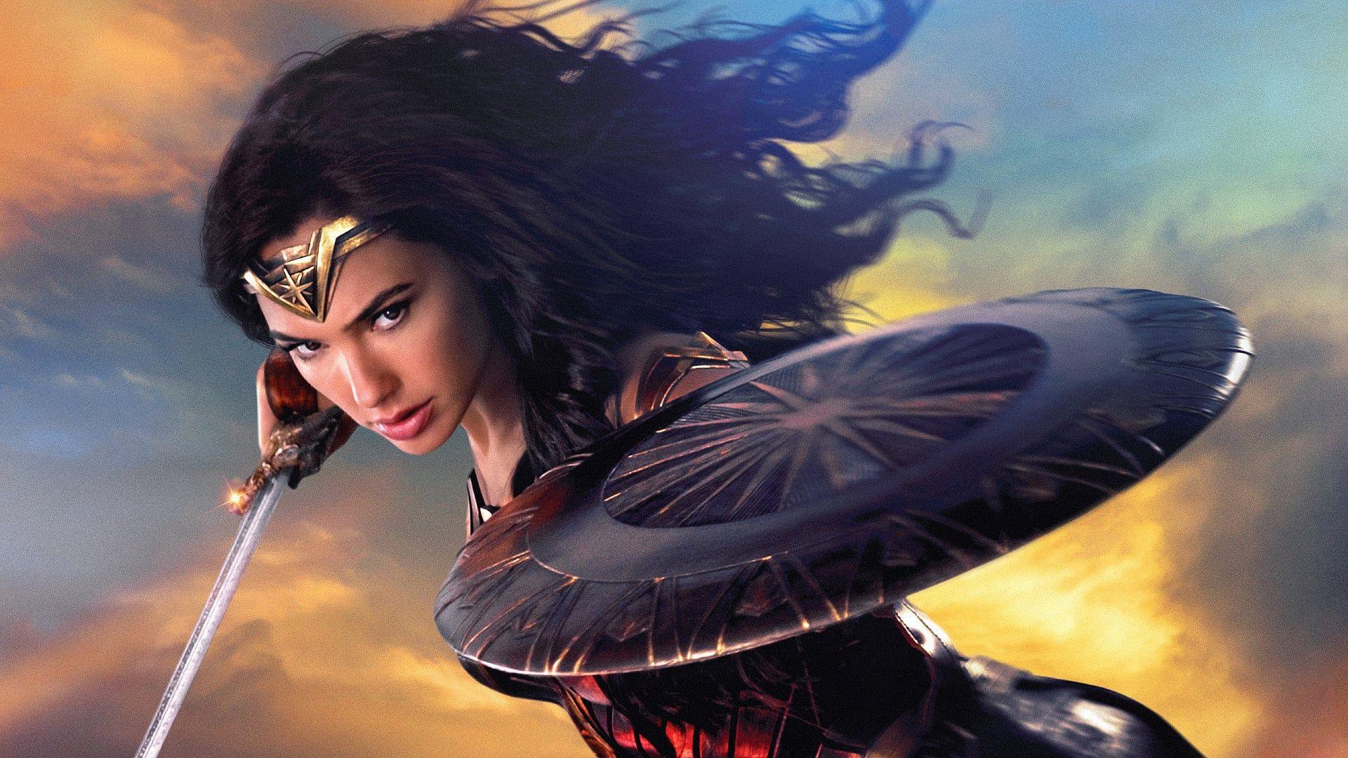 For Hun Ble Wonder Woman Var Hun Diana Amasonenes Prinsesse Opptrent Til A Vaere En Uovervinnelig Kriger Diana Vokste Opp I Et Sk Wonder Woman Wonder Skjebne