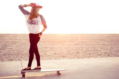 Google Image Result for http://data.whicdn.com/images/24982734/beach-girls-longboard-longskate-skate-Favim.com-334340_large.jpg