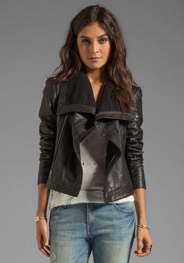 VEDA Max Classic Jacket in Black