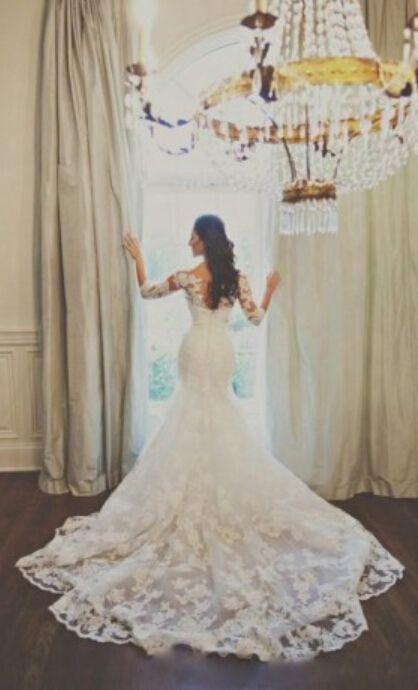 absolutely amazing lace wedding dress