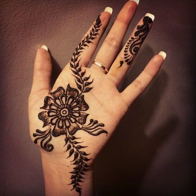 beautiful front hand mehndi