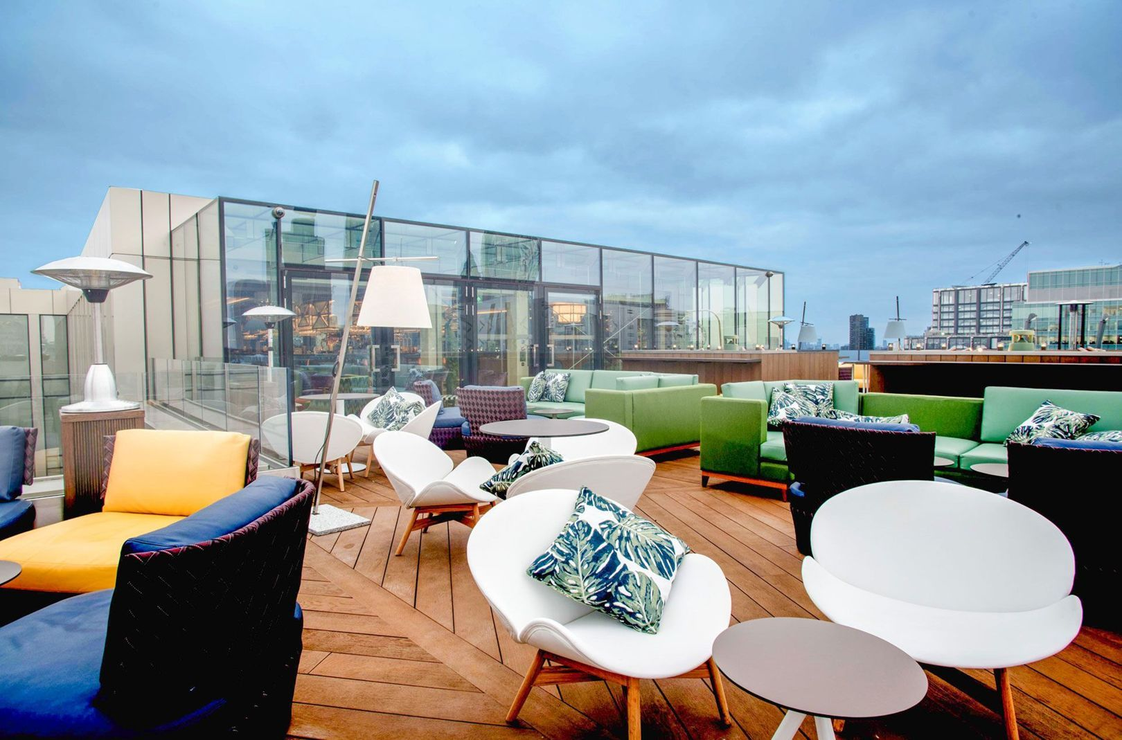 The Best Rooftop Bars In London Rooftop Restaurant London Rooftop Bar Design Rooftop Restaurant