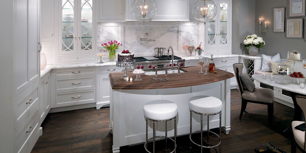 White Kitchen Cabinets Kbs Kitchen And Bath Source Designer Showroom Cabinetry Countertops Kitchen Inspiration Design Contemporary Kitchen Cabinets