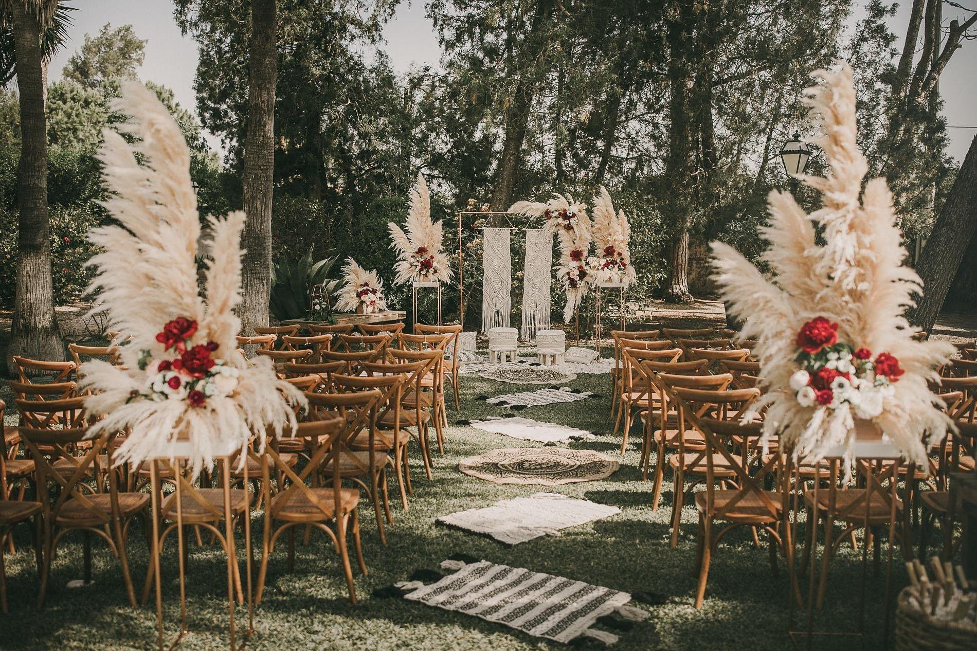 e93c6f5c Ceremonia civil, ceremony, finca ficus girona, wedding planner, Spain,  España, Alicante, inspiración, inspo, inspiration, carpets, alfombras,  pampas grass, ...
