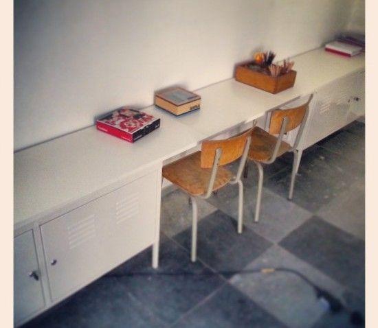 bureau enfants et toilettes pour chat tout en un. Black Bedroom Furniture Sets. Home Design Ideas