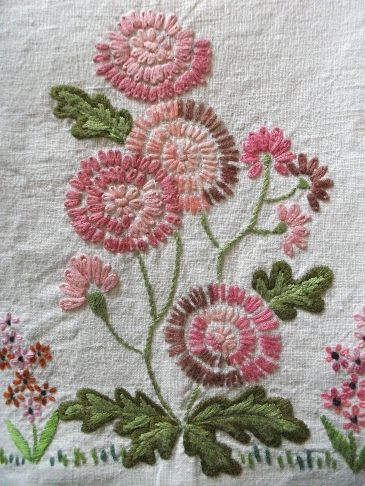 Ribbon embroidery bedspread designs - Embroidered Flowers