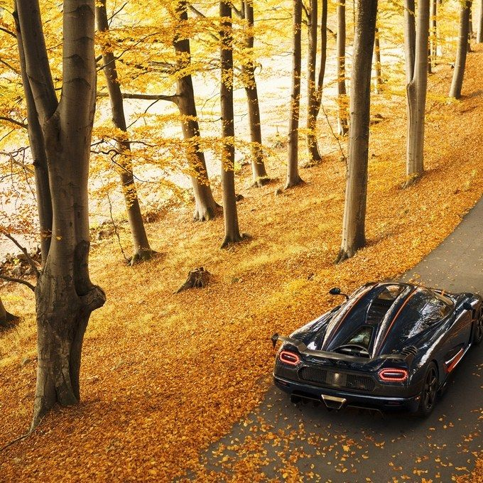 Koenigsegg Ccxr Vs Bugatti Veyron: This Is The New World's Fastest Car