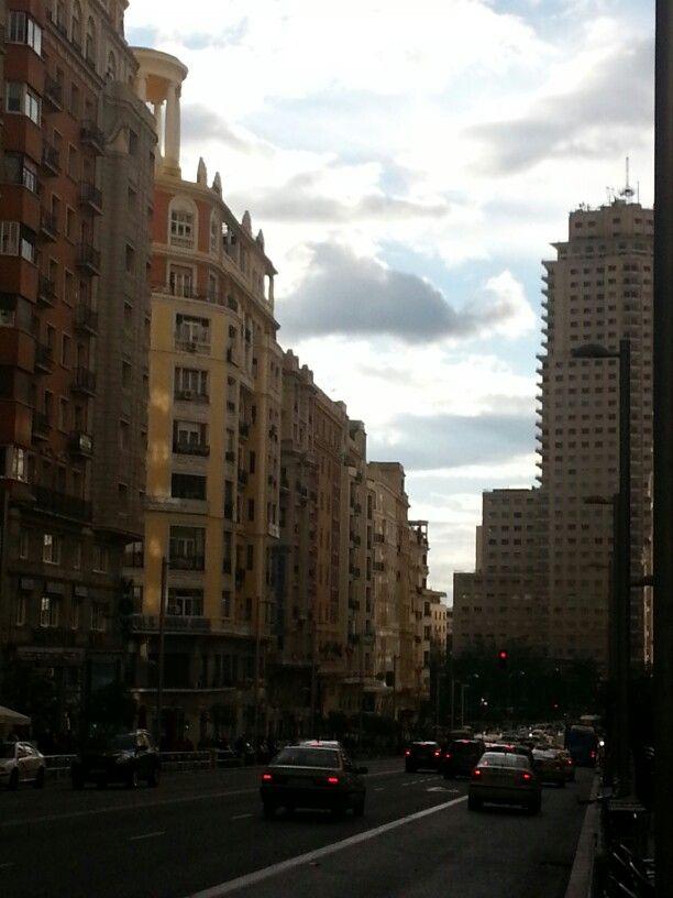 Gran via hacia plaza España
