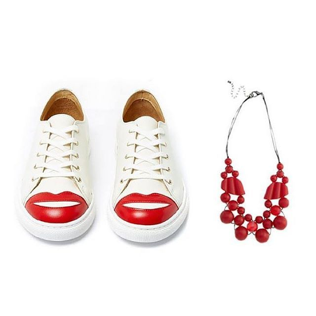 SHOESDAY // Some kisses for your tootsies! Yes please! Wear them ...