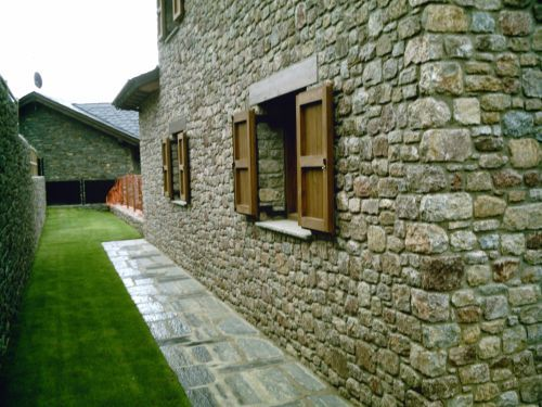 Muros piedra mamposteria de piedra natural sogestone - Muro de piedra natural ...