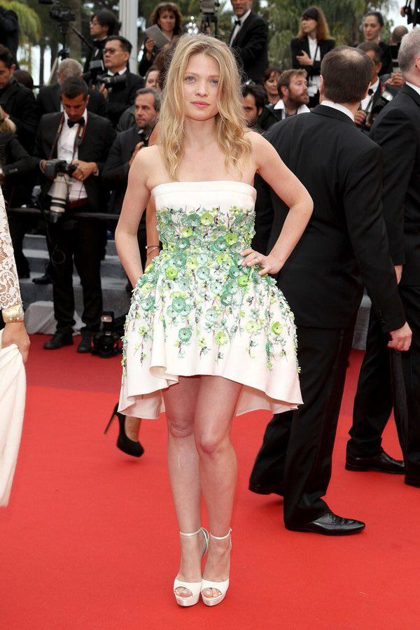"""The Fashion Court su Twitter: """"Melanie Thierry wore a #GiambattistaValli Spring 2014 Couture embellished dress to #TheBFG premiere. #Cannes2016 https://t.co/P63vvT3Gfn"""""""