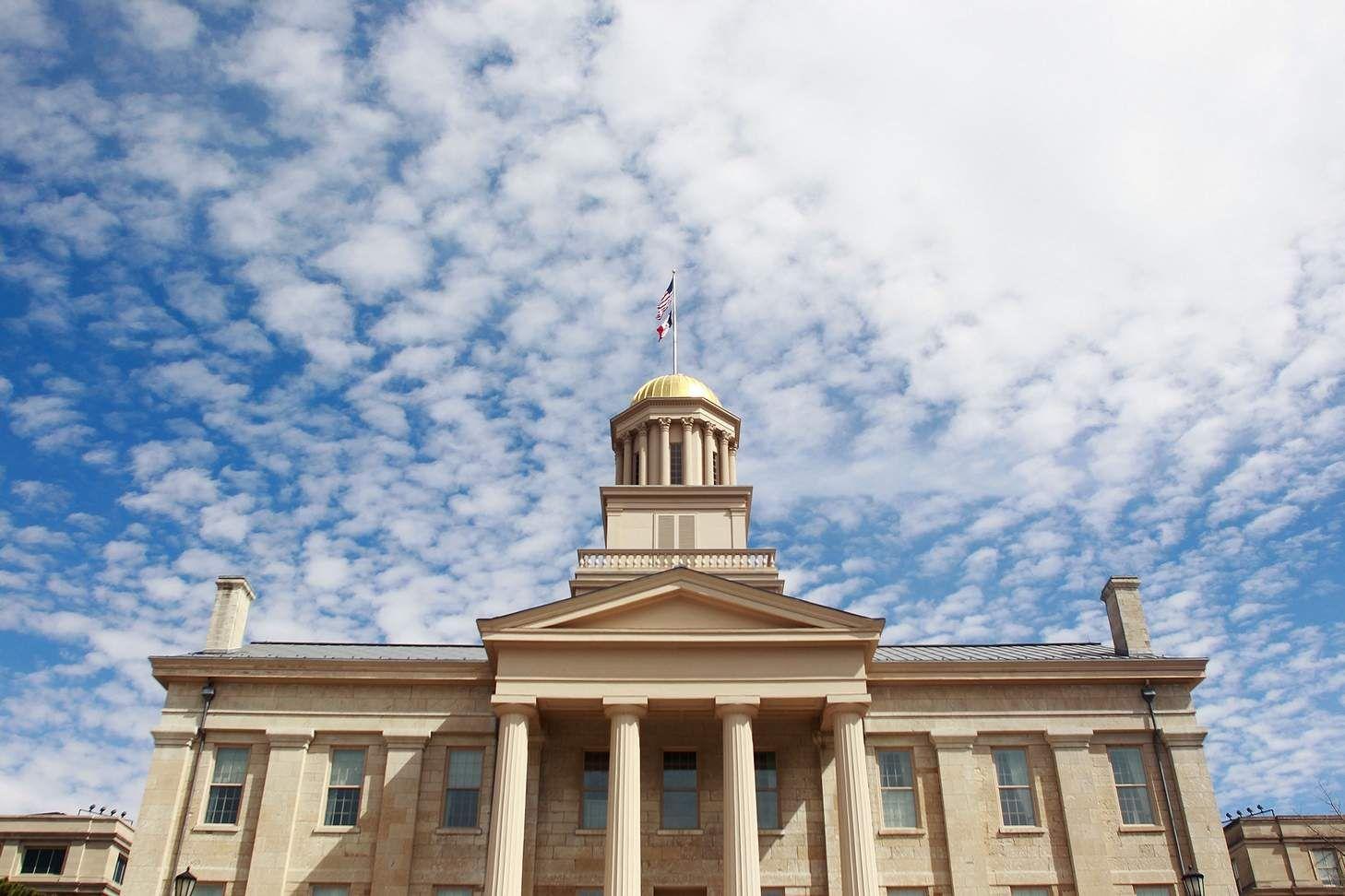 University of Iowa to require engineers get 'creative