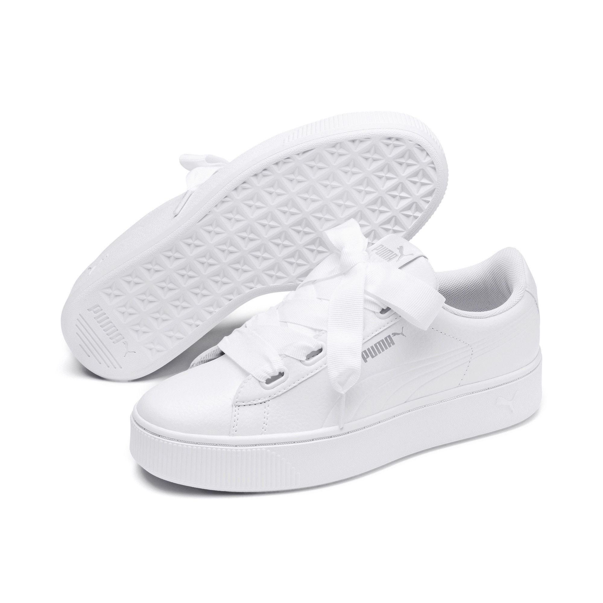 white shoes dream meaning