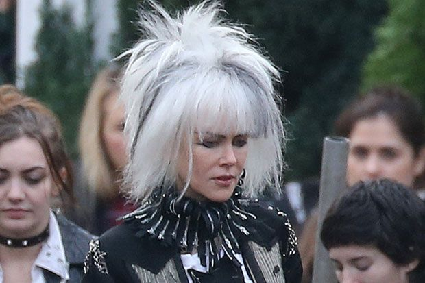 Nicole Kidman is Unrecognizable While Filming 'How to Talk to Girls at Parties'