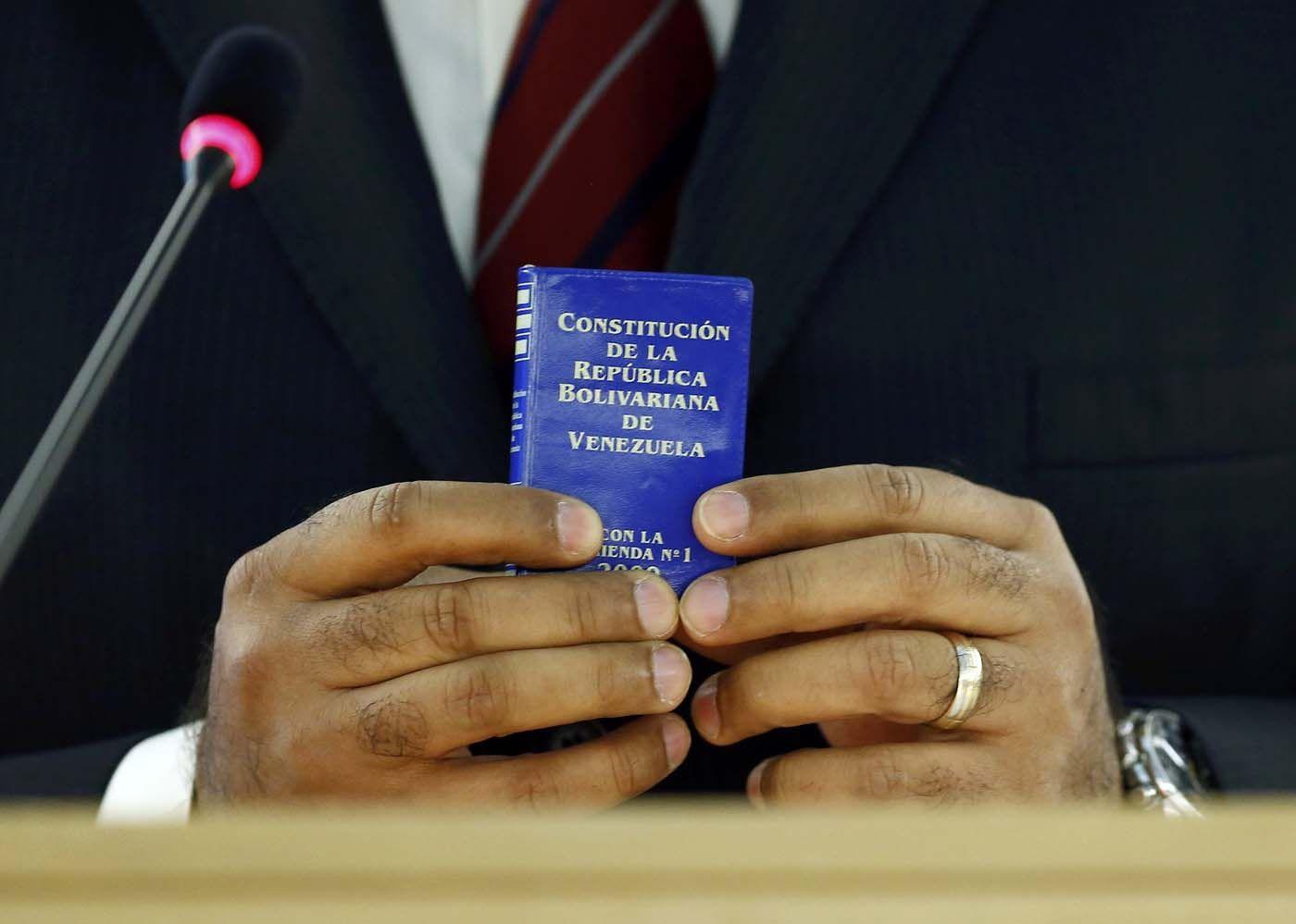 Restitución del Hilo Constitucional en Venezuela - http://www.notiexpresscolor.com/2016/11/07/restitucion-del-hilo-constitucional-en-venezuela/