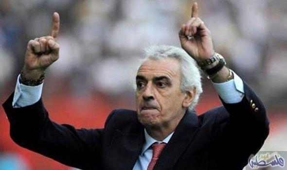 فوساتي يهدد بالاستقالة من تدريب منتخب قطر: لوح خورخي فوساتي مدرب منتخب قطر لكرة القدم بالاستقالة اليوم الأربعاء في حال طبق الاتحاد الوطني…