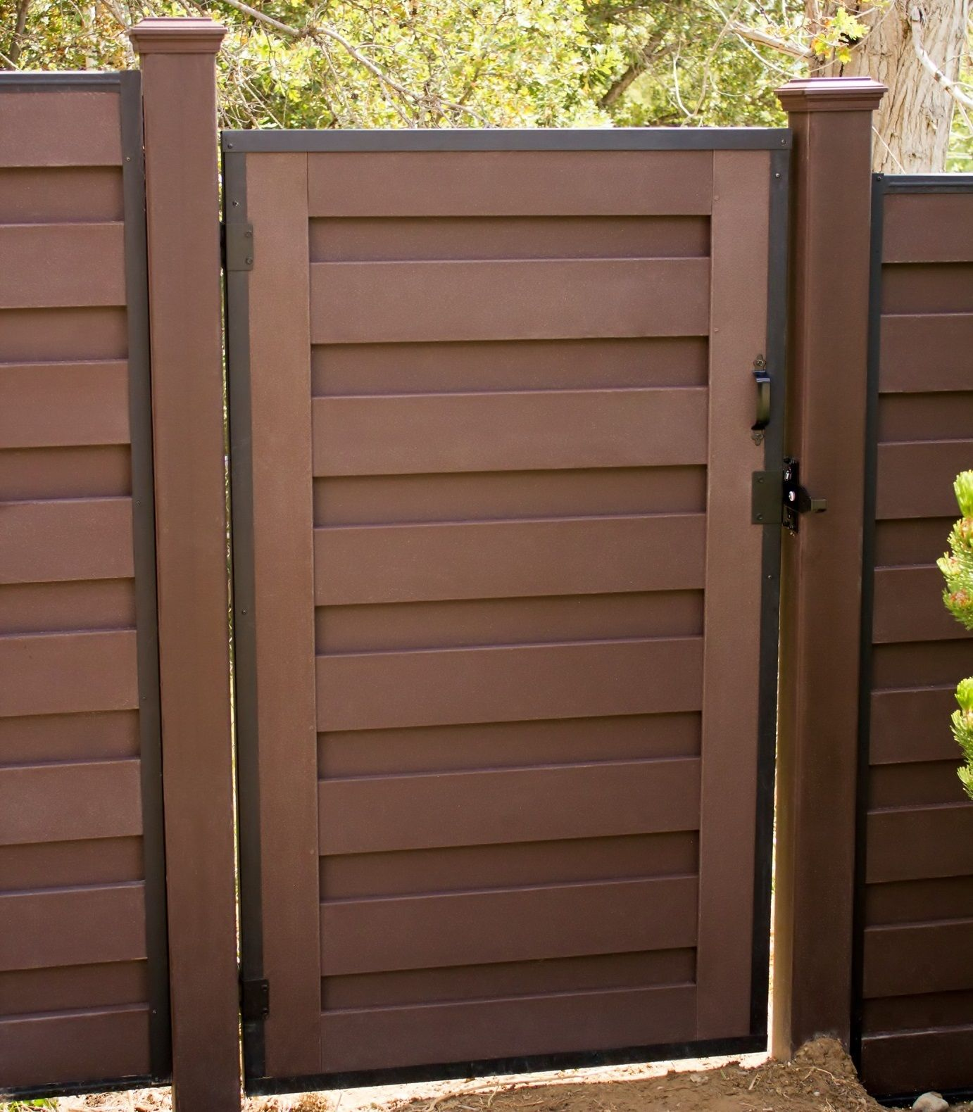 Gate For Trex Horizons Horizontal Fencing Wood Fence Design Fence Design Cheap Fence