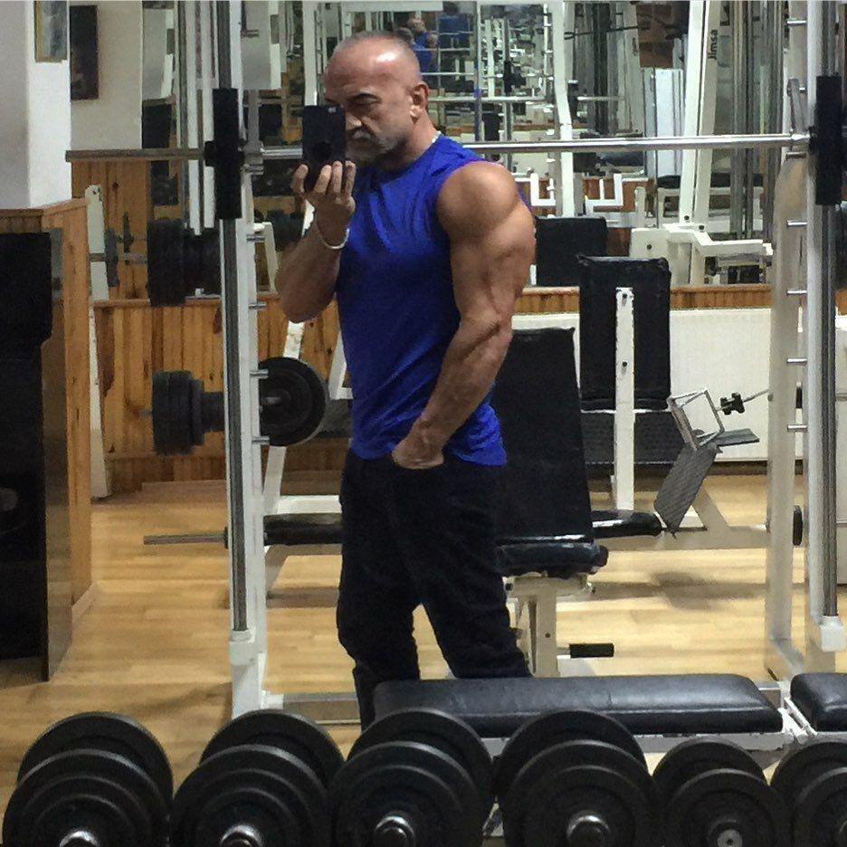 (Hep aynı poz diyeceksiniz ama güzel🤪) #body#bodybuilding#bodytransformation #bodrum#fitness#fitness...