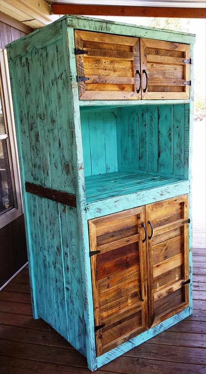 Upcycled Pallet Kitchen Hutch - 101 Pallet Ideas … | Pinteres…
