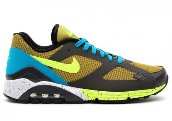 Nike Air Max Terra 180 Parachute Gold Detailed Pictures