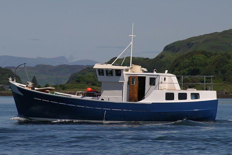 Small fishing trawler trawler boat r j prior trawler for Small fishing boats with motor