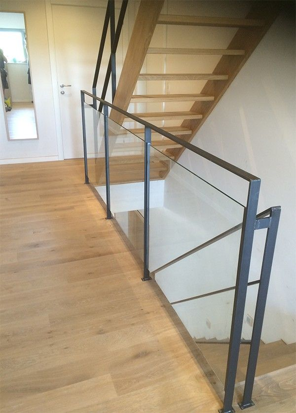 Borstwering uit staal met glas stalen trapleuning steel and glass pinterest met projects - Balustrade trap ...
